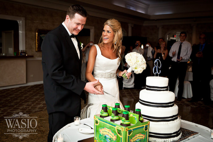 Wedding at Country Squire Banquets in Grayslake – great wedding party tip