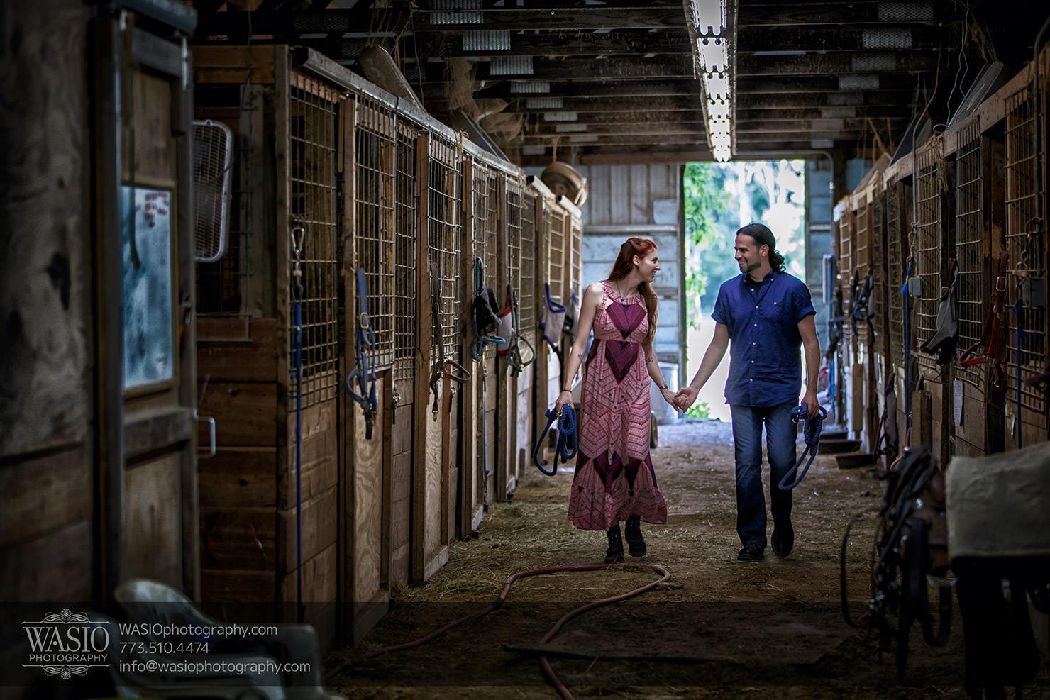 A horse barn engagement – Sarah + Jorge