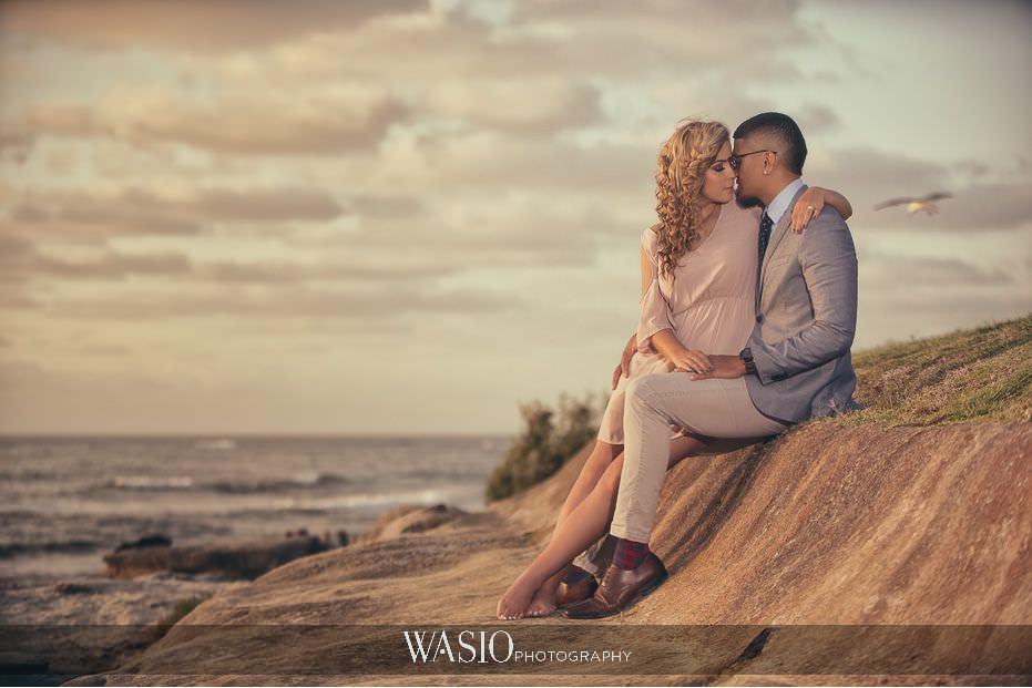 La Jolla Sunset Engagement Photos – Samara and Liki